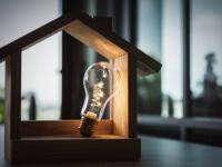 Românii care consumă energie până în 300 kW şi gaze până în 200 m cubi lunar vor plăti facturi comparabile cu cele din 2020