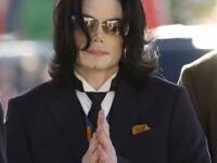 Chilotii lui Michael Jackson, scosi la licitatie pe Internet