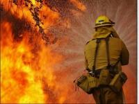 Incendiu de vegetatie urias in apropiere de San Diego, California