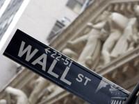 Americanii cedeaza in fata crizei financiare