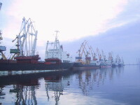 Romanii isi ineaca si ultimele doua corabii din Flota nationala