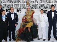 Revista presei: Lady Gaga a facut senzatie pe covorul alb la MTV VMA