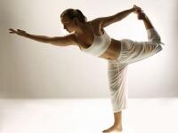 Acro-yoga, o combinatie reusita intre acrobatie si yoga. La ce ajuta