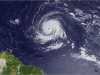 Uraganul Igor face ravagii in Insulele Bermude