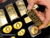 Lux la Madrid: Bagi banii in bancomat si iti cade in mana .. lingoul de aur