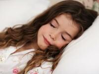 Transpiratia abundenta a copilului pe timp de noapte poate semnala prezenta unei boli grave