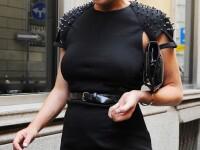 Iata rochita patata a lui Lindsay Lohan. Ce sa fie oare? FOTO