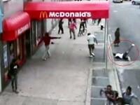 VIDEO SOCANT. Momentul in care un tanar este impuscat mortal, surprins de camerele de supraveghere