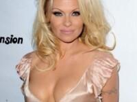Cum arata una dintre cele mai dorite blonde inainte de operatiile estetice. Este de nerecunoscut
