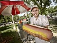 Caine de 2.2 metri inaltime si hot dog de 3 kilograme. GALERIE FOTO cu recordurile Guiness Book 2012