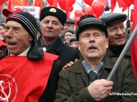 Zeci de mii de oameni manifesteaza la Moscova impotriva lui Putin