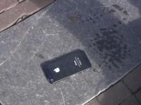 VIDEO. Experiment cu camera ascunsa. Cum reactioneaza oamenii cand vad un iPhone 5 cazut pe strada