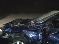 Masina in care se afla o familie s-a oprit inexplicabil pe calea ferata. A fost lovita de tren
