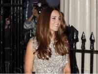 Un ziar din Australia publica o poza cu posteriorul gol al Ducesei Kate: Autocenzura presei britanice este