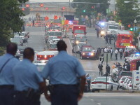 12 morti si 10 raniti dupa atacul din unitatea militara. Steagul american, in berna pana vineri