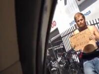 Un om al strazii poate imita foarte bine personajele din serialul Breaking Bad. VIDEO