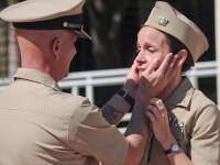 S-au reintalnit dupa 30 de ani si au descoperit ca ambii fac parte din Marina SUA. VIDEO