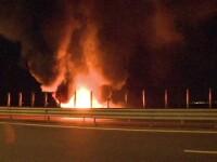 Clipe de cosmar pentru un clujean, a carui masina a luat foc in mers. Acesta s-a salvat sarind din autoturism