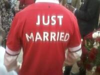 Nunta ciudata pentru doi indragostiti. Ceremonia a avut clubul de fotbal Manchester United ca tema