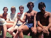 5 prieteni din SUA se intalnesc la fiecare 5 ani ca sa faca aceeasi fotografie, in aceleasi pozitii si in acelasi loc. FOTO