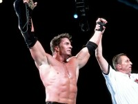 Fostul star de wrestling Sean O\'Haire a fost gasit mort in locuinta sa. Din primele informatii, acesta s-ar fi sinucis