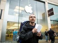 Un barbat a stat 44 de ore la o coada sa cumpere un iPhone 6 pentru sotia care l-a parasit