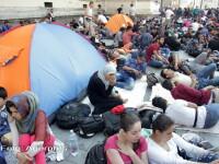 Gara de Est din Budapesta, inchisa temporar dupa ce sute de refugiati au vrut sa urce in trenuri. Reactia Angelei Merkel