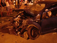 Doi tineri din Timisoara au ajuns la spital cu rani grave dupa ce au trecut pe rosu intr-o intersectie. Ce viteza aveau