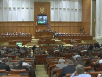 Deputatii au adoptat noul Cod Fiscal, cu declaratii de iubire si prietenie. Iohannis a salutat noua relatie putere-opozitie