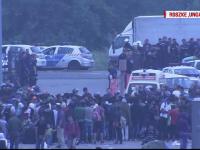 Sute de imigranti au incercat sa evadeze din centre, in Ungaria. Interventia dura, cu scuturi si gaze lacrimogene, a politiei
