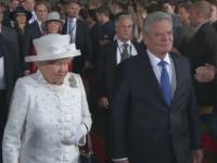 La 89 de ani, regina Elisabeta a II-a este una dintre cel mai bine imbracate femei din lume. Tinutele cu care a fermecat