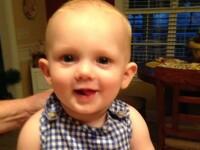 Un baietel de 11 luni a murit dupa ce bunicii l-au uitat in masina, timp de doua ore. Temperatura ajunsese la 78 de grade
