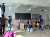 150 de elevi din Targu Mures nu mai au sali de clasa. Parintii s-au pus pe treaba, primaria s-a rezumat doar la multumiri