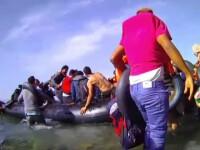 Reportaj printre refugiatii care-si risca vietile pe mare, ca sa ajunga in Occident. Cat de important e Facebook-ul pentru ei