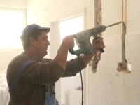 Scoala pe santier, printre muncitori si praf. Unul dintre cele mai bune licee din Timisoara este in renovare de ... 3 ani