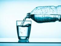 Preţurile apei îmbuteliate, majorate cu 20%. Scumpirile la energie, ambalaje şi combustibili, transferate parţial la clienți