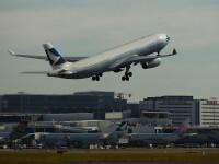 Un avion Cathay Pacific, cu 251 de pasageri, a aterizat de urgenta in Indonezia. Calator: O aripa a luat foc