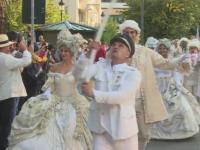 Cavaleri, balerine si clovni pe strazile din Sinaia. Peste 50.000 de turisti, asteptati la Festivalul Sinaia Forever