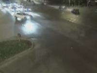 Teribilism la volan, in Timisoara. Un tanar a fost filmat in timp ce facea drifturi intr-o intersectie aglomerata