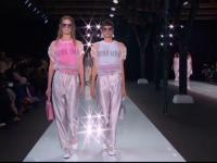 Ce se va purta în vara lui 2018. Propunerile lui Giorgio Armani și Donatella Versace