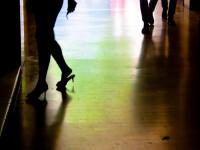 Trei români, arestaţi în Franţa după ce au violat o femeie sub ochii prietenului ei
