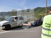 7 migranți au încercat să treacă ilegal frontiera cu două taximetre