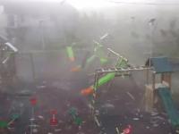 Noi imagini cu furtuna devastatoare din Vestul țării. Loc de joacă, distrus în 2 minute