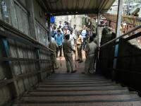 22 morţi într-o gară din India, din cauza aglomeraţiei la o oră de vârf. VIDEO