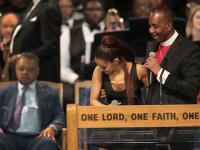 Reacția preotului acuzat că ar fi pipăit-o pe Ariana Grande la funeraliile Arethei Franklin