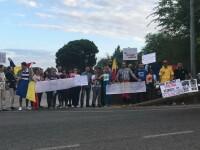 """Viorica Dăncilă, așteptată de românii din Spania cu proteste. """"Bine ai venit la Priștina"""""""