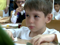 Emoţii, lacrimi şi entuziasm, în prima zi de şcoală. Cum au trăit cei mici despărţirea de părinţi