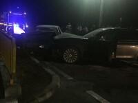 O mașină a intrat pe contrasens în Dolj și s-a ciocnit cu o alta. Cinci oameni au fost răniți. VIDEO