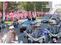 Mii de oameni înșirați pe străzi, scandând. Anunțul lui Kim Jong-un după summitul cu Moon Jae-in