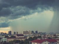 """Avertismentul meteorologilor: """"Există potențial de dezvoltare a norilor pe verticală"""""""